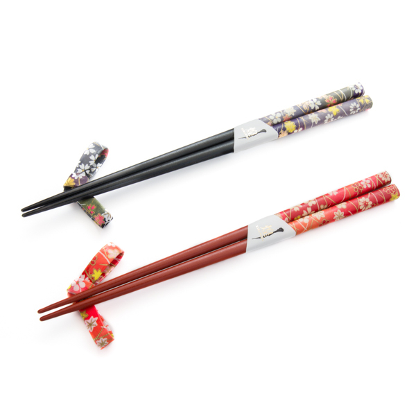 11879 wooden his hers chopsticks and chopsticks rests set black red flower pattern