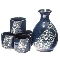 13955 ceramic sake set   blue  floral pattern