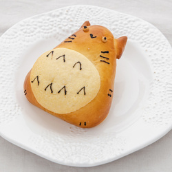 10731 japan centre totoro character custard cream bread