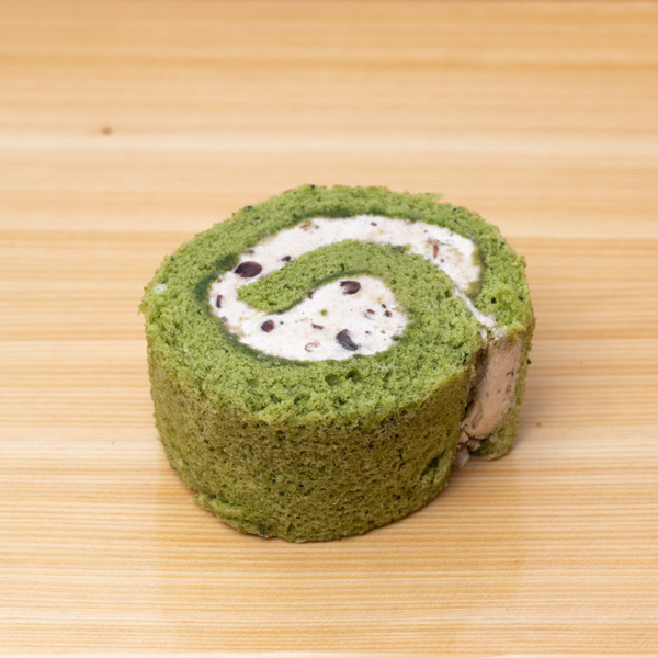 11028 japan centre matcha and azuki bean swiss roll slice