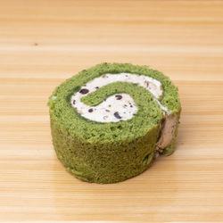 11028 japan centre matcha and azuki bean swiss roll slice