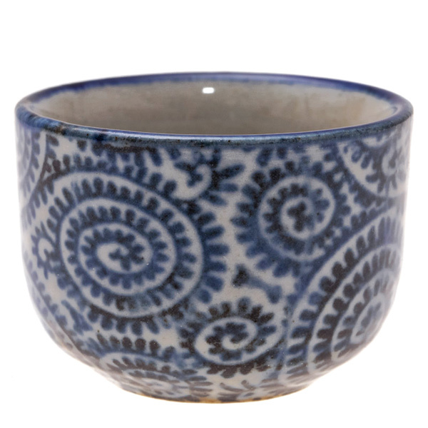 14699 ceramic sake cup   white  blue foliage pattern