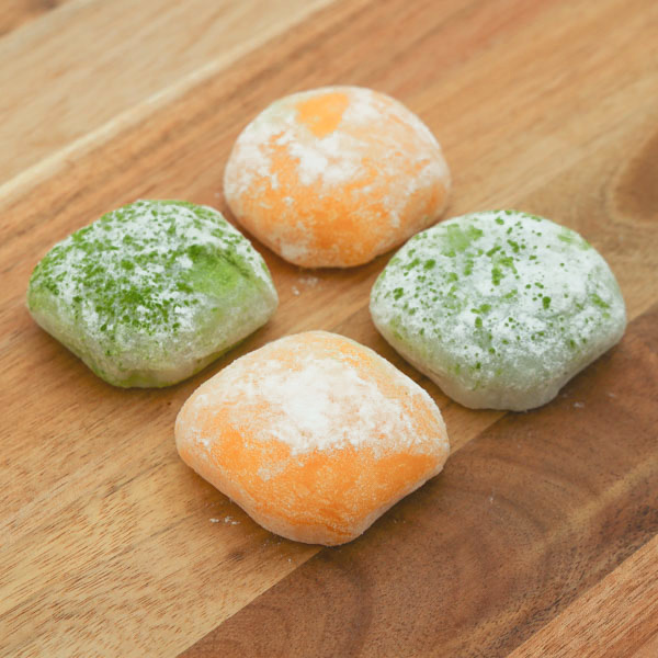 15081  japan centre mixed assortment mochi   mango   green tea