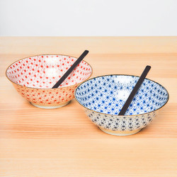 15659  yamata seiho ceramic his and her ramen bowl set with renge spoons   on table