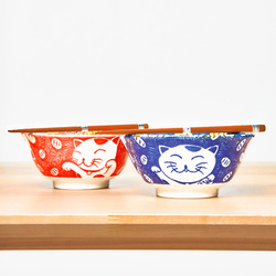 15660  yamata seiho ceramic his and her rice bowl set with chopsticks   cat pattern  blue   red   side view