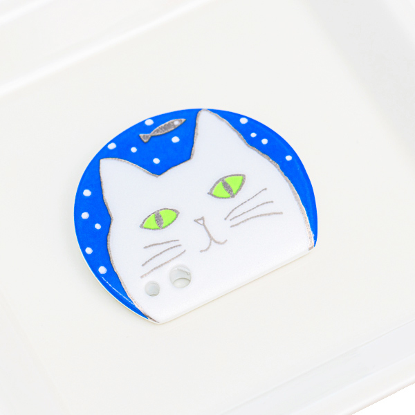 15777  shoyeido incense holder   white cat   on tray