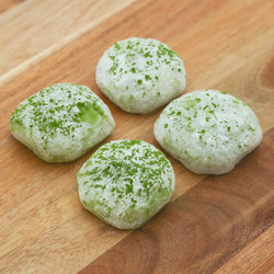 15085  japan centre mochi pack   green tea