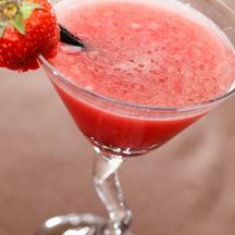 Photo strawberry sake cocktail