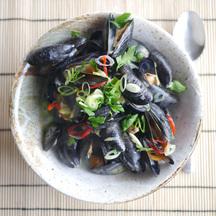 Sake mussels