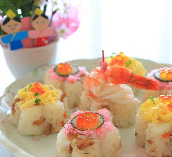 Formad chirashi sushi till Hinamatsuri