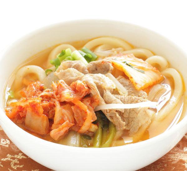 Udon al maiale e kimchi