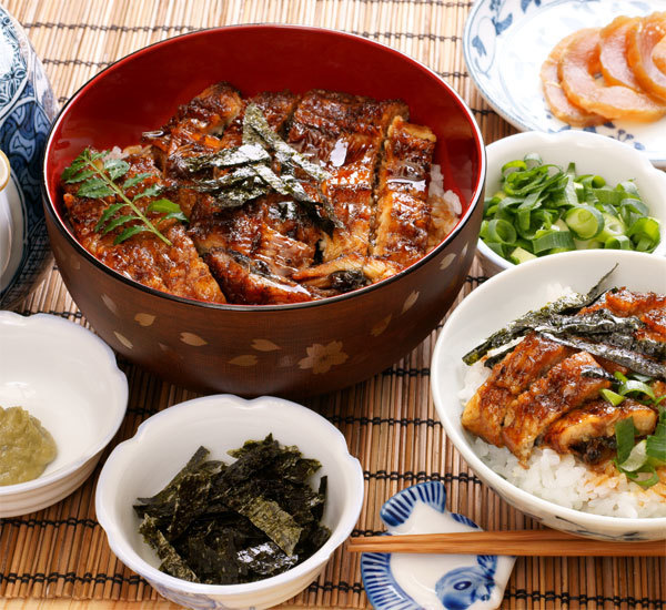 Unagi hitsumabushi (anguille grillée sur bol de riz)