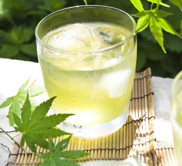 Shochu al tè verde rinfrescante
