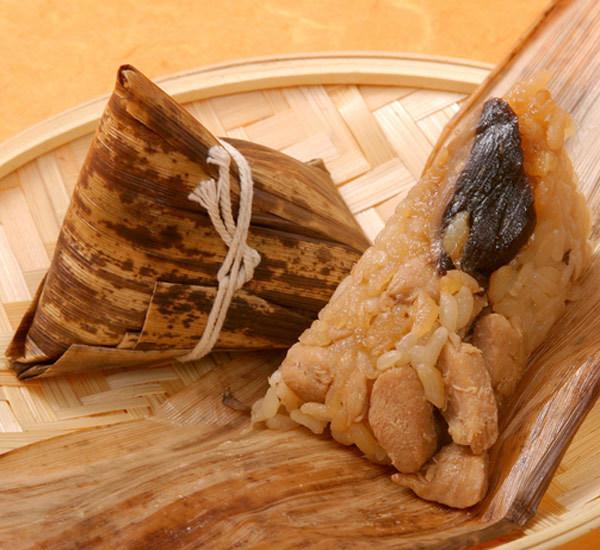 Kinesiskt klibbigt ris (chimaki)