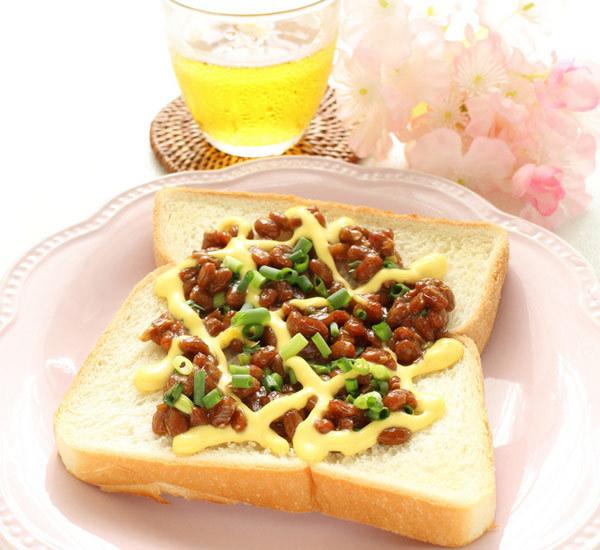 Rostat bröd med natto